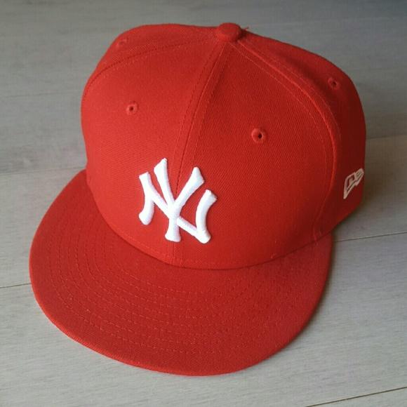 03436f5a15b ... Yankees Fitted Flat Bill Hat. M 5a7cae9946aa7c534edb7f10. Other  Accessories you may like. New Era ...